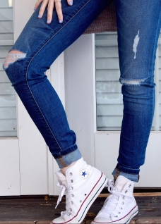 converse-fashion-footwear-52574.jpg
